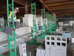 Elevated masonry scaffolding