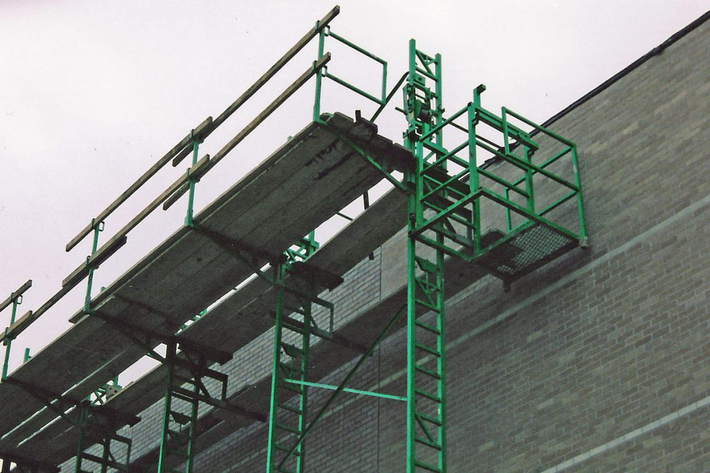 Heavy-Duty scaffolding access landing