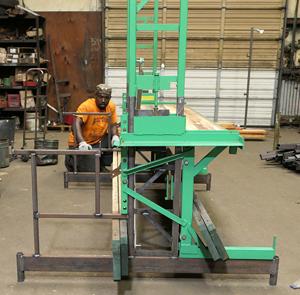 Workhorse elevating scaffolding